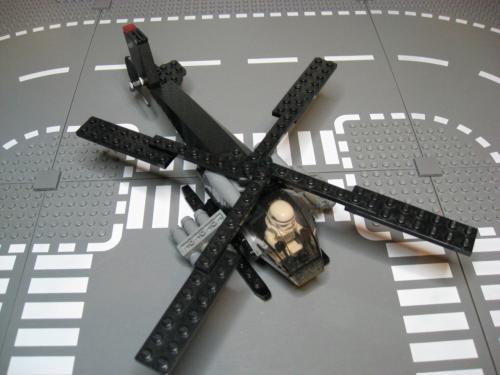ヘリ+装輪戦車 010