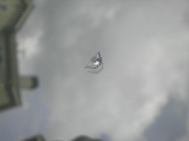 ガラスヒビ