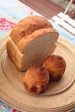 トランブルーのパン