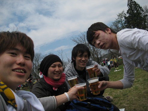 アラバキ到着~!!&乾杯☆ 青空の下でビールは最高ですなぁ。。。