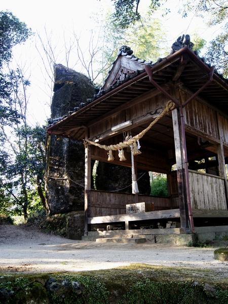 250112 柱立神社5