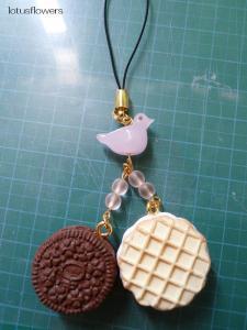 鳥とクッキーサンド