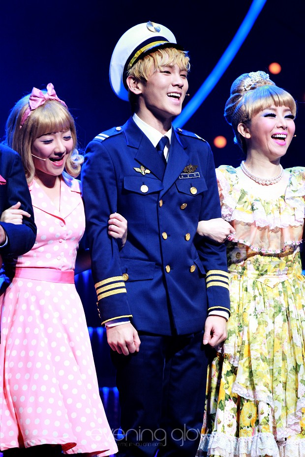 130125 Catch Me If You Can Musical PM8 - 4-2