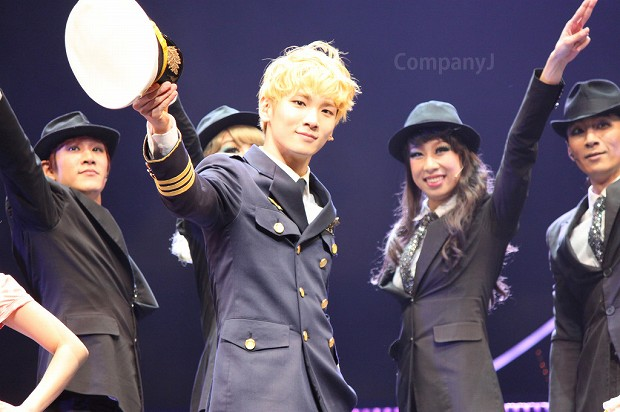 130127 Catch Me If You Can Musical PM3 - 16-2