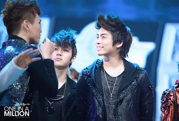 jonhyun-key-smile-_20130407212523.jpg