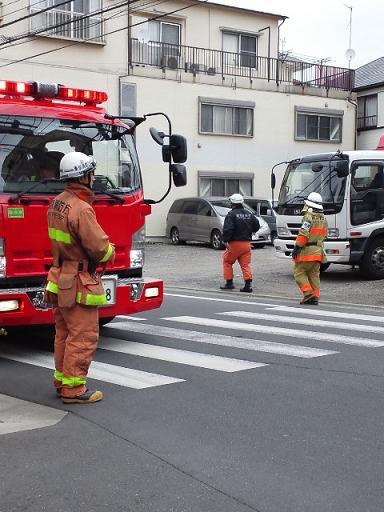 消防車・カルピス 056