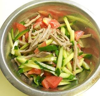 レバーと野菜のサラダ5