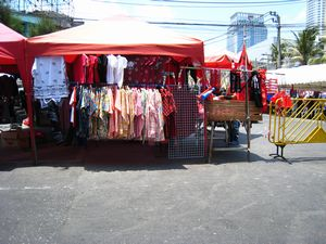 赤シャツの売店