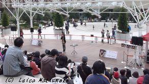 阪急西宮ガーデンズにてライブ