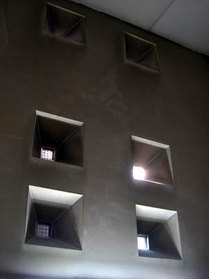 枚方市庁階段室01