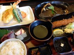 天ぷらも海老フライもお刺身も・・・贅沢すぎます