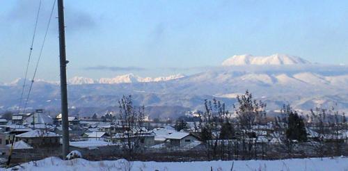 朝の飯綱山(24.12.26)