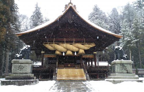 雪の諏訪大社下社(25.2.6)