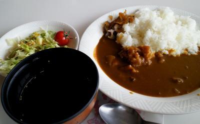 お昼はカレーライス(25.2.6)