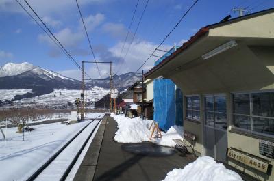 上条駅ホーム夜間瀬方向(25.2.13)