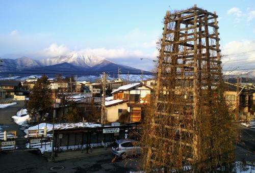バラタワーと高社山(25.2.21)
