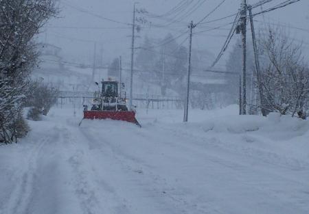 家の前の県道除雪(25.2.24)