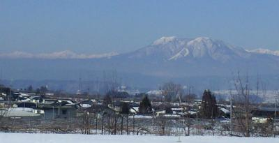 朝の飯綱山(25.3.6)