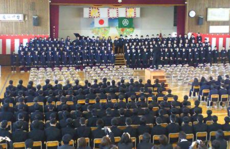 卒業生合唱「旅立ちの日に」(上)(25.3.19)