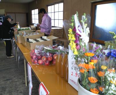 特産品の販売(25.4.19)