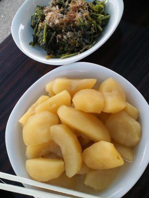 リンゴの煮物とほうれん草(25.4.20)