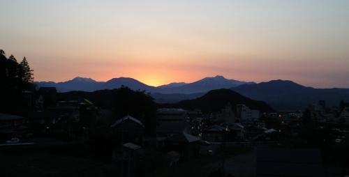 北信五岳に落日(25.5.12)