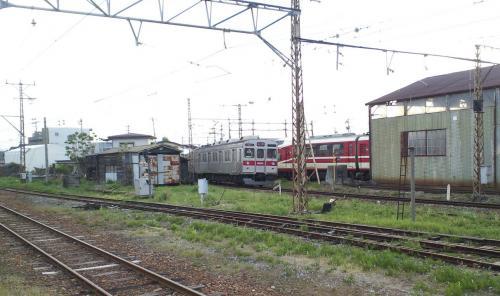 長野行き普通列車発車(25.5.13)