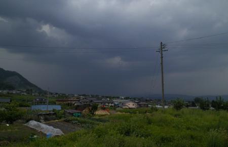 接近する雨雲(25.6.6)