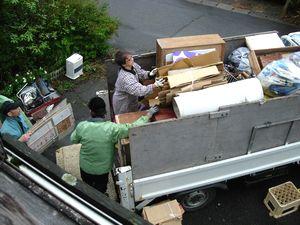 ゴミの積み込み