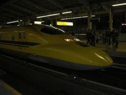 東京駅でドクターイエロー確認