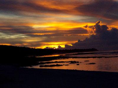 テテトビーチの夕日