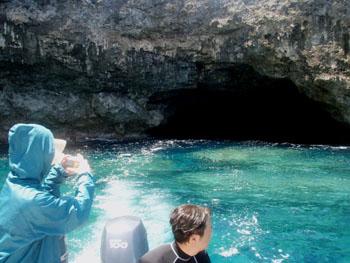 テニアンの水上洞窟