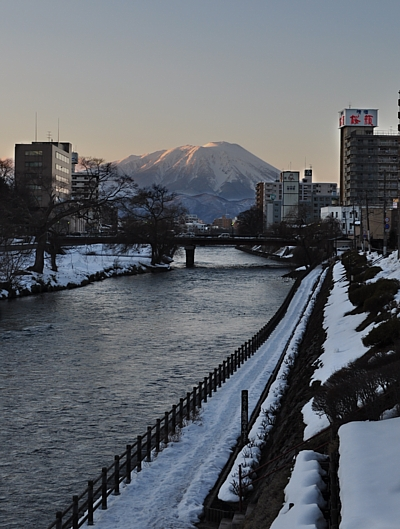 201104_morioka_iwatesan.jpg