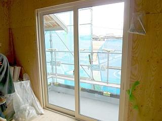 主寝室の掃き出し窓
