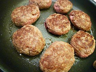 デミハンバーグとカラフル野菜のかくれんぼパイstep6