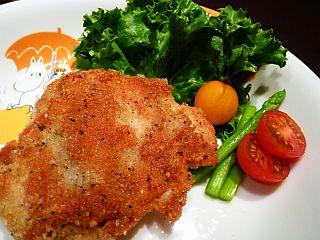 マヨネーズでふんわり☆鶏むね肉のハーブパン粉焼き