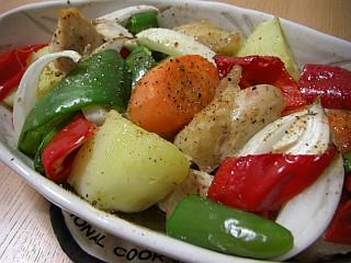 鶏むね肉とたっぷり野菜のオーブン焼き