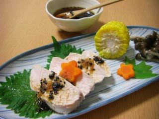 茹で鶏~香味黒ゴマソース~