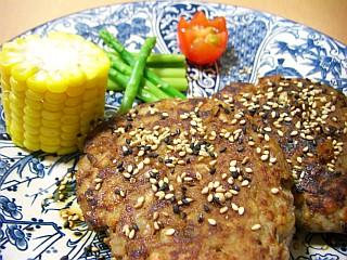 麦たっぷりのヘルシー和風ハンバーグ~大葉ニンニク醤油風味~