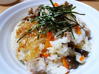 鶏とキノコの炊き込みご飯
