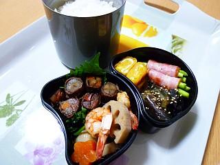 牛肉の八幡巻き&煮しめ弁当1