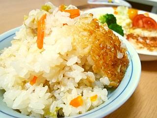 鶏ササミとキャベツの簡単炊き込みご飯