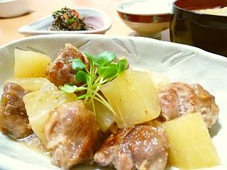 コロコロ豚団子と大根の柚子胡椒煮