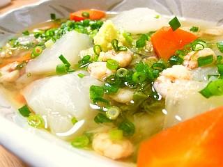 小エビと冬野菜のポカポカ生姜スープ