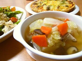 冬野菜たっぷり☆コンソメスープ
