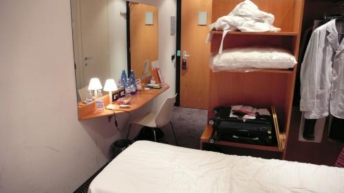 ホテルの部屋②