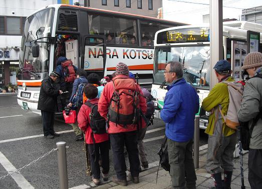 2 奈良交通のバス