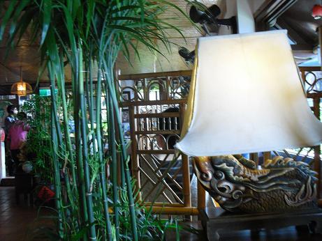 2 茶芸館の室内