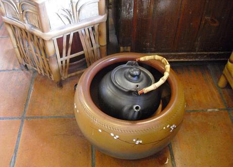 6 茶芸館の茶器・湯釜