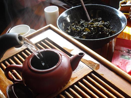 7 茶芸館の茶器・茶かす